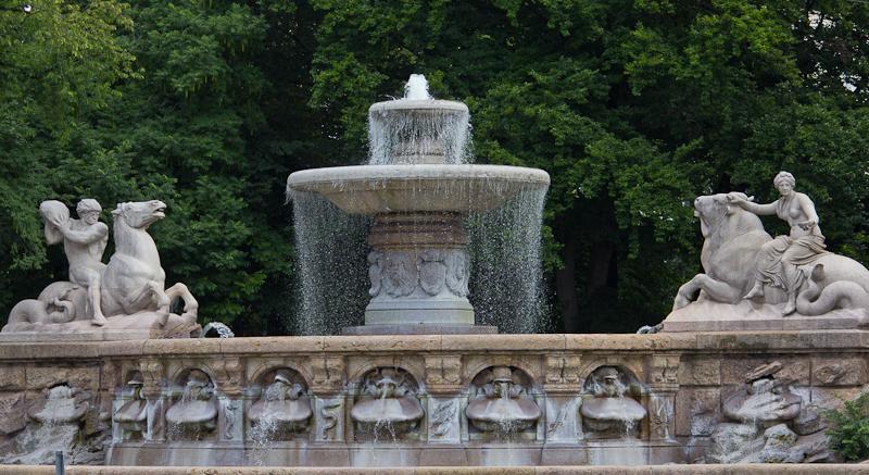 очень красивый фонтан!