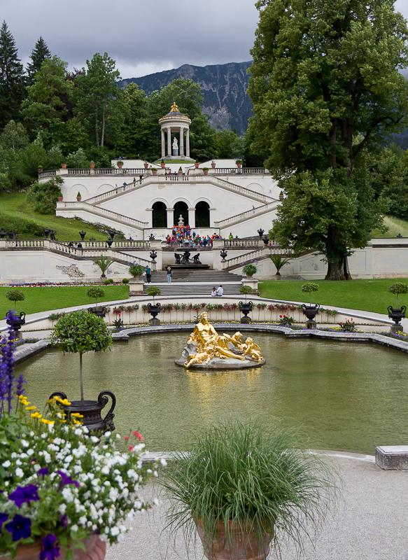 фонтан и храм Венеры