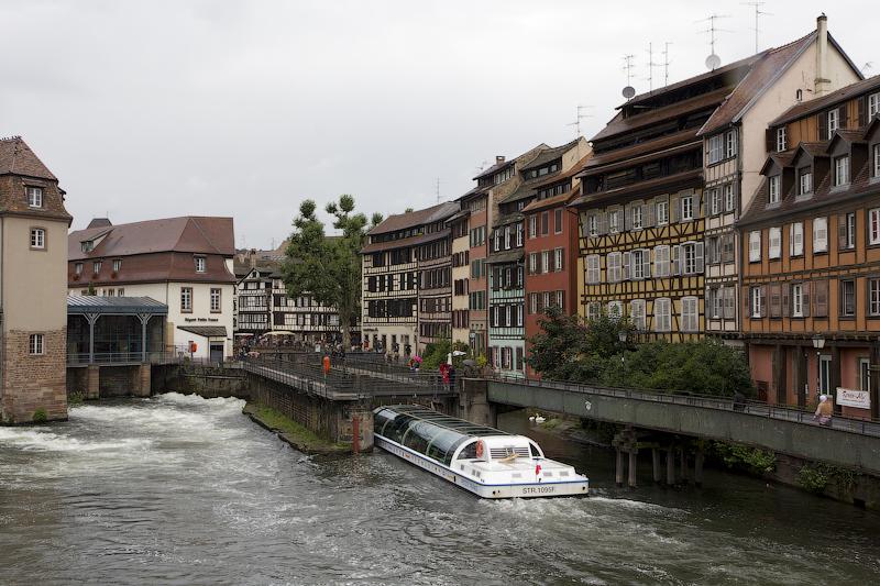Катер в шлюзе - Страсбург (Strasbourg) - Татьяна Гладченко, 2012
