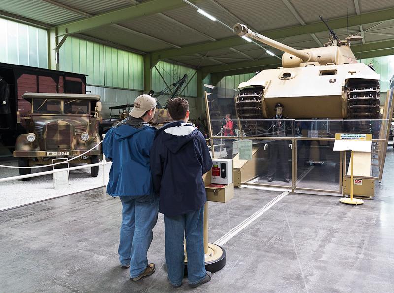 два танкиста