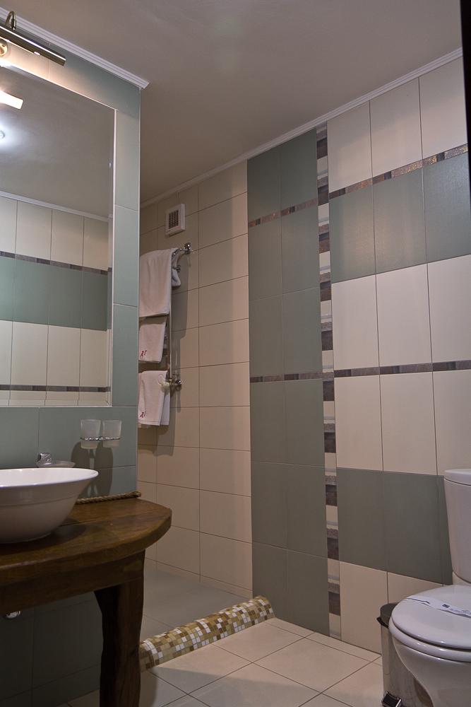 Древний Град - большая ванная комната