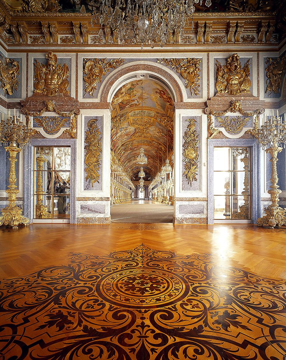 Дворец Херренкимзее (Neues Schloss Herrenchiemsee). Большая зеркальная галерея. Анфилада.
