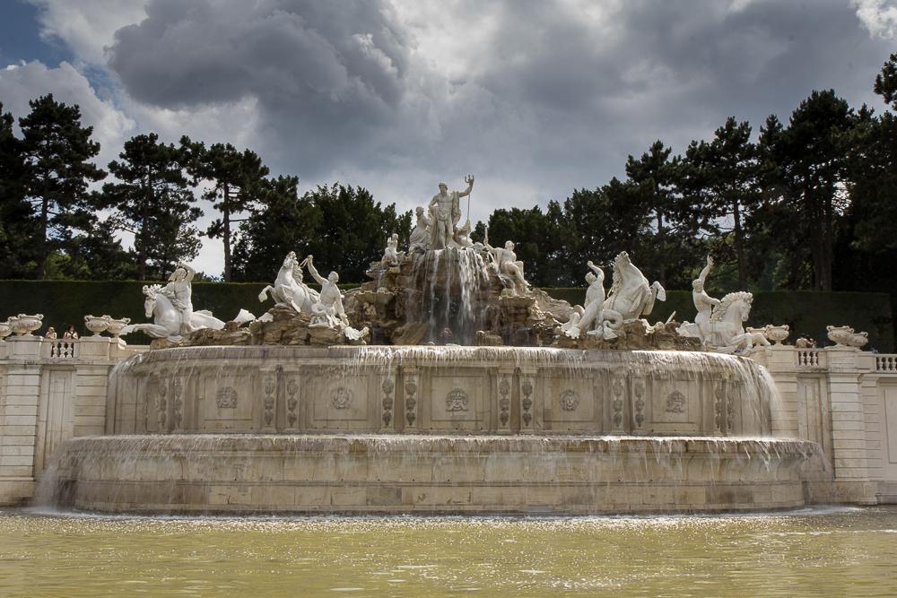 Дворец Шёнбрунн (Schloß Schönbrunn) — фонтан ©Татьяна Гладченко, 2014