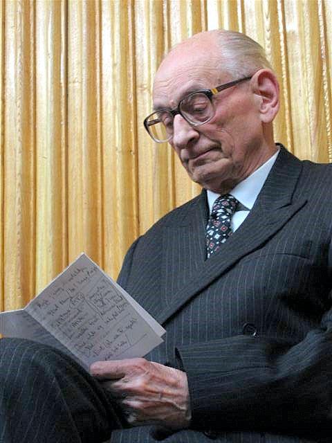 Влади́слав Бартоше́вский (Wladyslaw Bartoszewski)