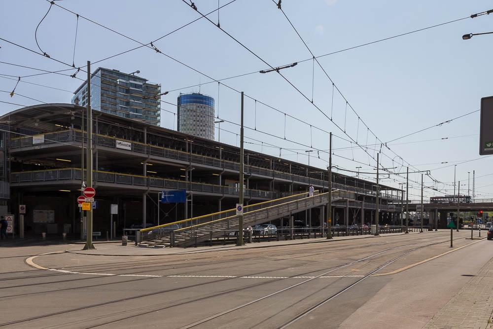 Велопарковка у Центрального вокзала Гааги (Den Haag) ©Татьяна Гладченко, 2015