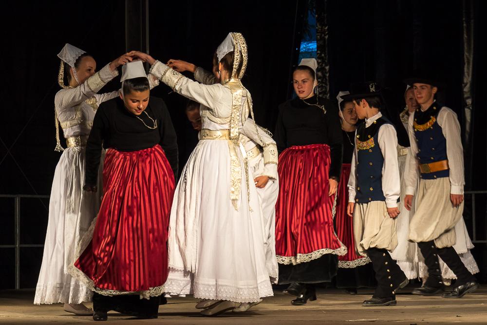Бретонские танцы в Кемпере (Quimper) ©Татьяна Гладченко, 2014