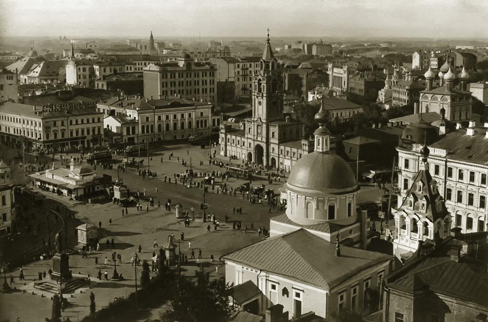 Pushkin_square