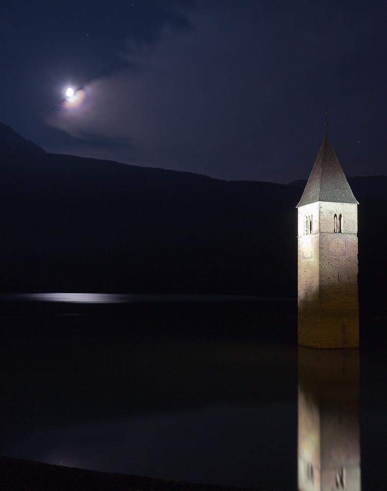 По ком звонит колокол в ночи (Curon Venosta) ©Татьяна Гладченко, 2016