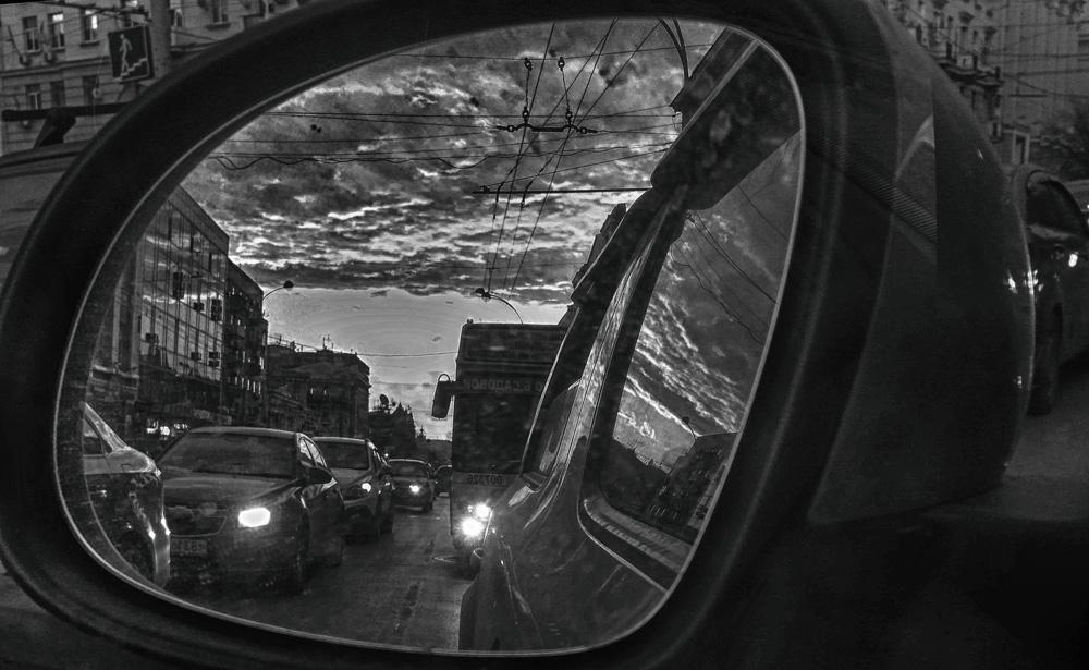 Успеть спастись... (Ч/Б) ©Татьяна Гладченко, 2016